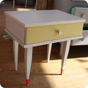 meubles vintage consoles petits meubles table de chevet ann es 60 fabuleuse factory. Black Bedroom Furniture Sets. Home Design Ideas