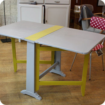Meubles vintage bureaux tables table de m tier for Meuble table pliante