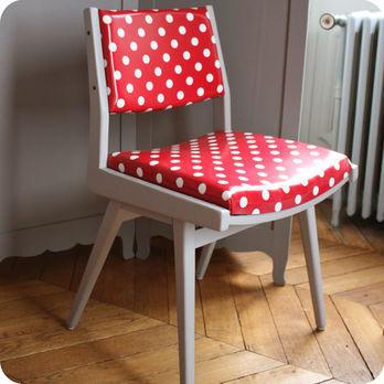 Meubles vintage chaises fauteuils chaise fauteuil for Chaise bois rouge